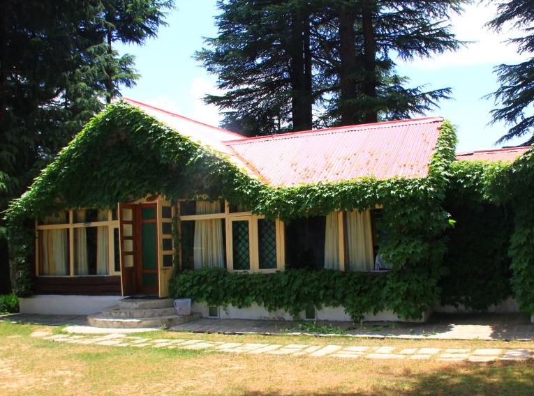HPTDC Manali Log Huts
