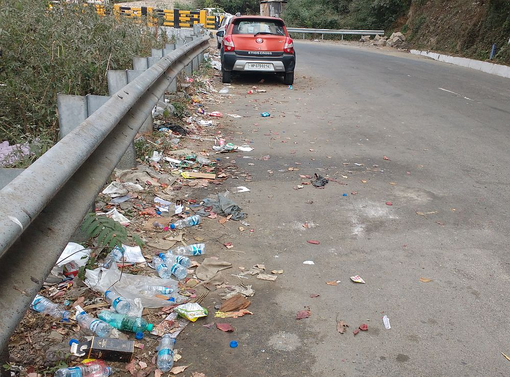 Littering on shimla bypass